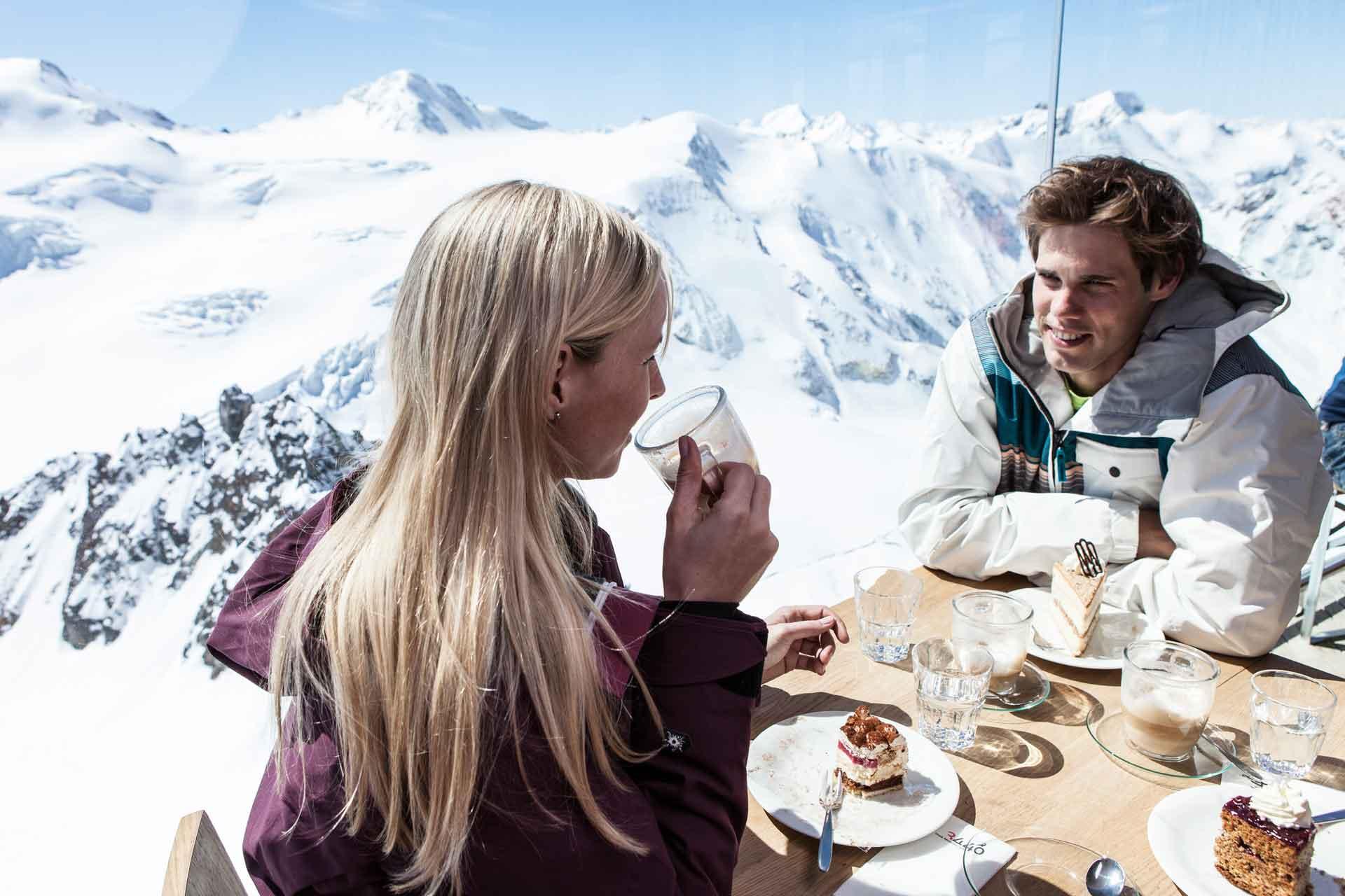 cafe3440-im-winter-mit-blick-zur-wildspitze