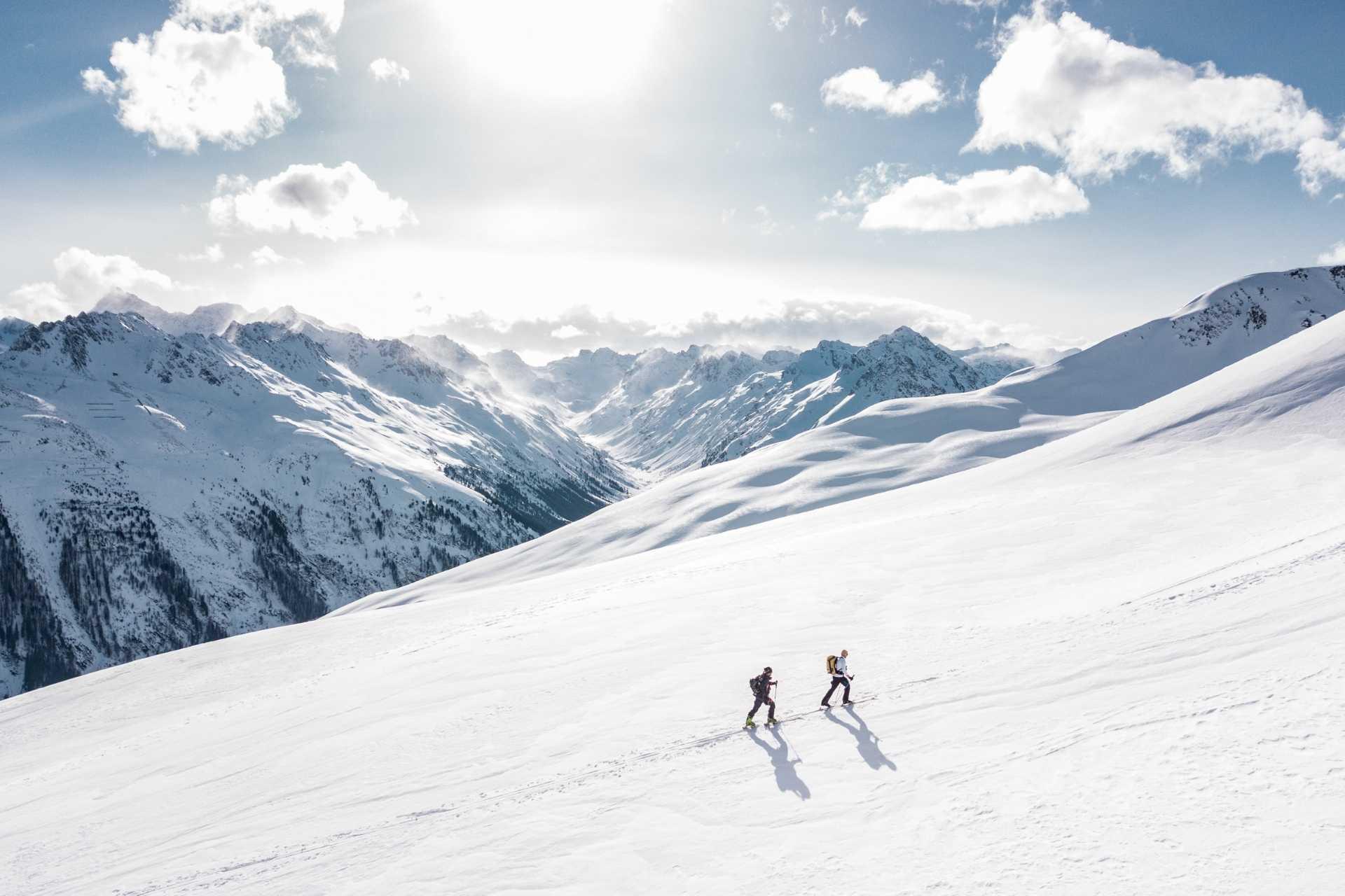 skitour-zwei-tourengeher